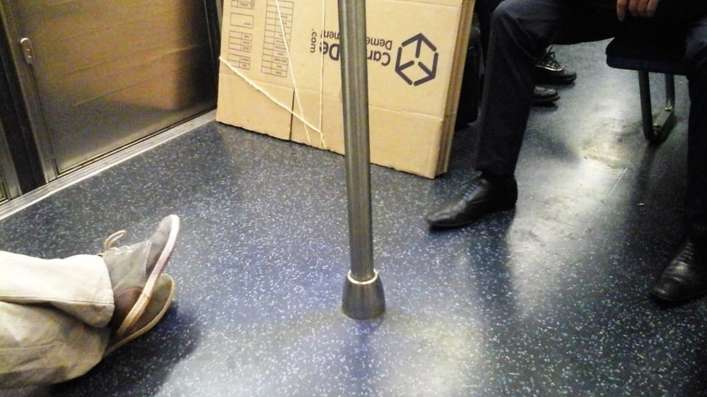 Manspreading_Paris metro
