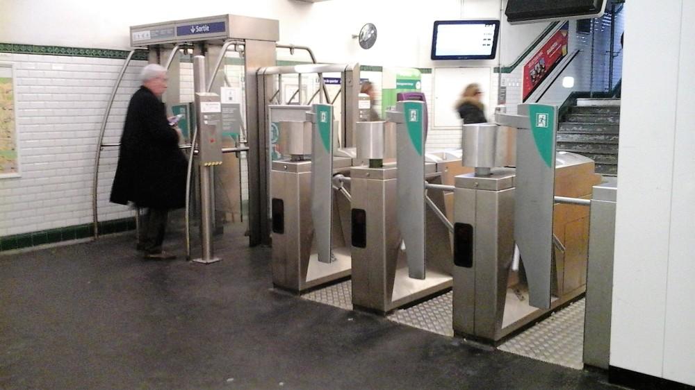 Paris_metro_copyright_Passion4Transport
