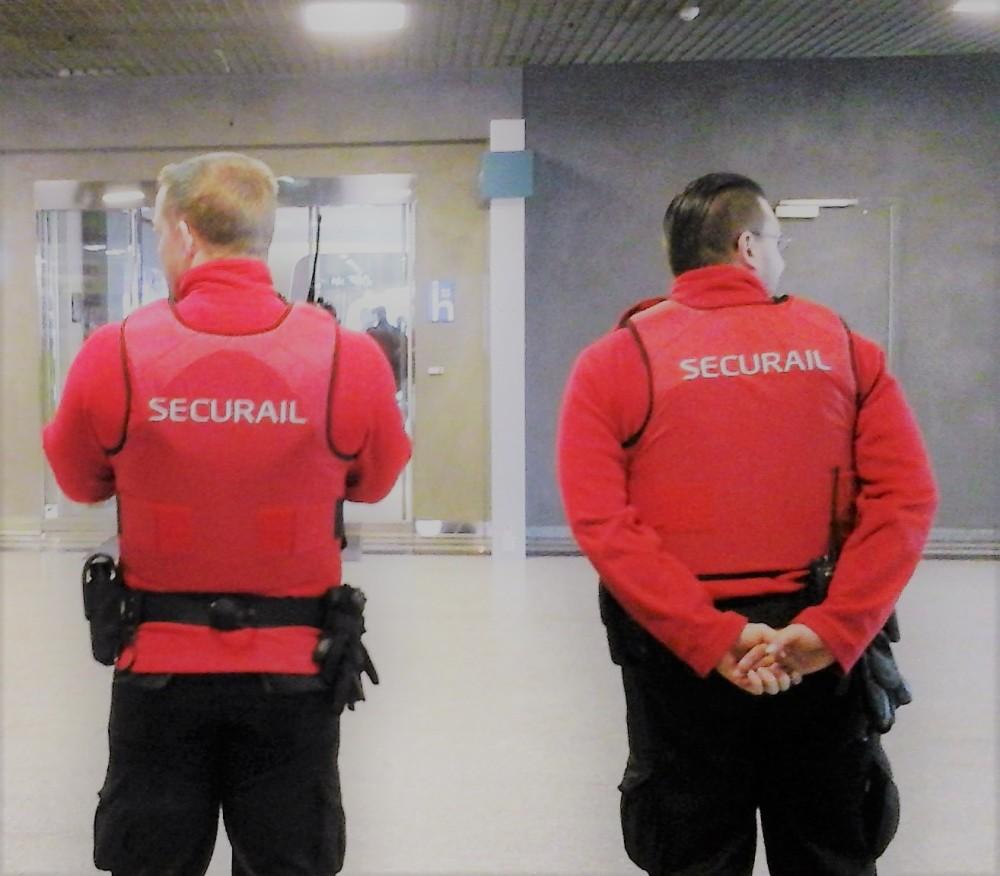 Security_men_Brussels_Midi